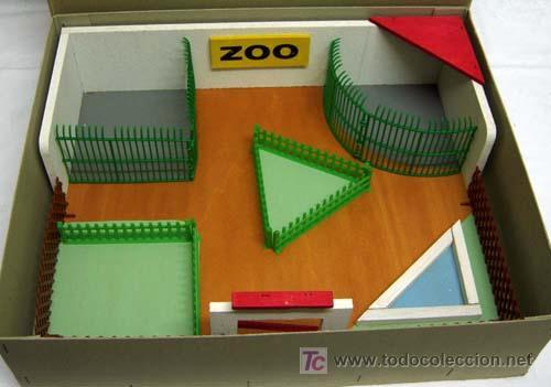 ZOOLÓGICO ZOO DE MADERA Y PLÁSTICO DENIA SIN ANIMALES AÑOS 50 (Juguetes - Soldaditos - Otros soldaditos)