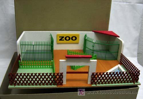 Juguetes Antiguos: Zoológico zoo de madera y plástico Denia sin animales años 50 - Foto 2 - 11082080