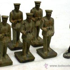 Juguetes Antiguos: 7 SOLDADOS DESFILE MARINA COBA COLOM BASTE AÑOS 50. Lote 18857035