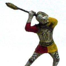 Juguetes Antiguos: MEDIEVAL A PIE DE ELASTOLÍN PASTA AÑOS 40. Lote 14673646