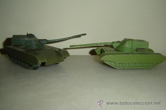 Juguetes Antiguos: 2 tanques de plastico - Foto 2 - 26906424