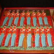 Juguetes Antiguos: SET SOLDADOS VINTAGE AÑOS 50. JUEGO DE GUERRA .JUGUETE .CAJA ORIGINAL.. Lote 26811326