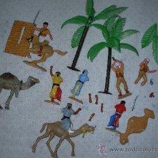 Juguetes Antiguos: ANTIGUOS SOLDADOS Y TUAREG GUERRA EN EL DESIERTO MAS ACCESORIOS Y ANIMALES. Lote 25770358