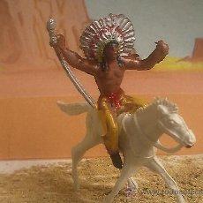 Juguetes Antiguos: INDIO DE QUIOSCO DE LOS AÑOS 60. Lote 27260878