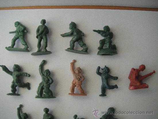 Juguetes Antiguos: 17 SOLDADOS DE PLASTICO - Foto 2 - 29474739