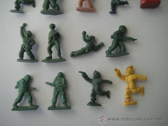 Juguetes Antiguos: 17 SOLDADOS DE PLASTICO - Foto 3 - 29474739