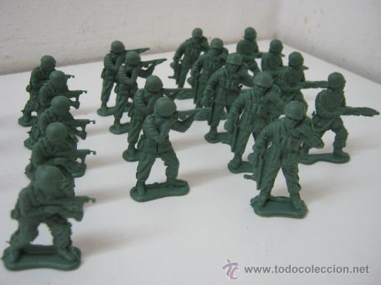 Juguetes Antiguos: LOTE DE 30 SOLDADITOS DE PLASTICO -- 4.5 CM APROX - Foto 2 - 36914355