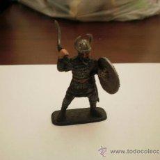 Juguetes Antiguos: GUERRERO VIKINGO PVC SOLDADO SOLDADITOS. Lote 34491125