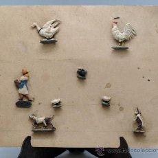 Juguetes Antiguos: BLISTER CARTÓN FIGURAS PLOMO GRANJA SEMIPLANAS AÑOS 40 ANIMALES Y GRANJERA. Lote 39203698