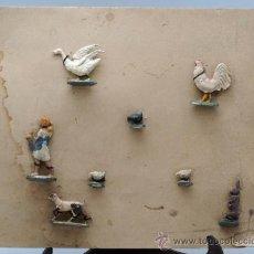 Juguetes Antiguos: BLISTER CARTÓN FIGURAS PLOMO GRANJA SEMIPLANAS AÑOS 40 ANIMALES Y GRANJERA. Lote 39203728
