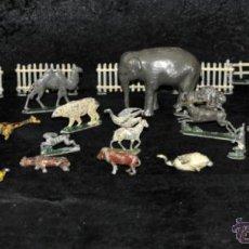 Juguetes Antiguos: GRAN CONJUNTO ZOOLÓGICO CON VARIOS ANIMALES Y PIEZAS EN PLOMO. AÑOS 30-40. CASANELLAS. Lote 40054953
