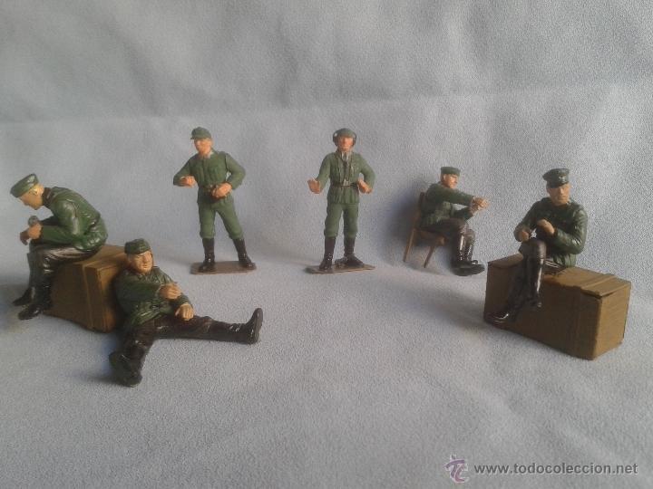 Juguetes Antiguos: 26 figuras segunda guerra mundial no conozco el fabricante .Ver coleccionistas - Foto 3 - 40857159