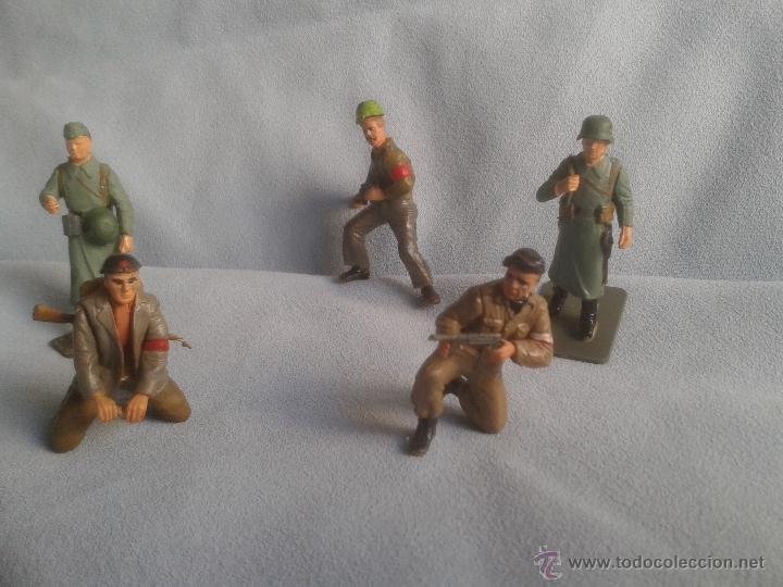 Juguetes Antiguos: 26 figuras segunda guerra mundial no conozco el fabricante .Ver coleccionistas - Foto 5 - 40857159
