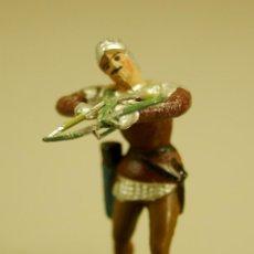 Juguetes Antiguos: SOLDADO DE PLOMO ARQUERO CON BALLESTA MEDIEVAL 5 CM. BRITAINS CRESCENT MADE IN SPAIN? VER FOTOS. Lote 48921544