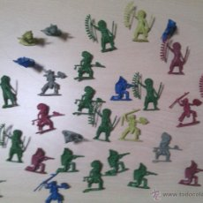 Juguetes Antiguos: 30 FIGURAS INDIOS DEL OESTE AMERICANO. Lote 54558676