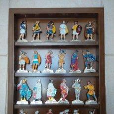 Juguetes Antiguos: FIGURAS METALICAS UNIFORMES SOLDADOS ESPAÑOLES TODAS LAS EPOCAS (COLECCION COMPLETA) (POSTLIB 2000). Lote 60167783