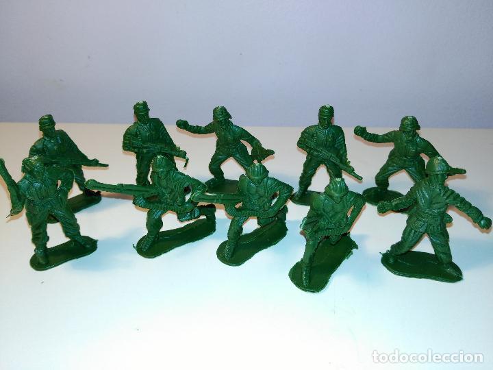 Juguetes Antiguos: Lote de 10 soldaditos - Foto 2 - 70379649