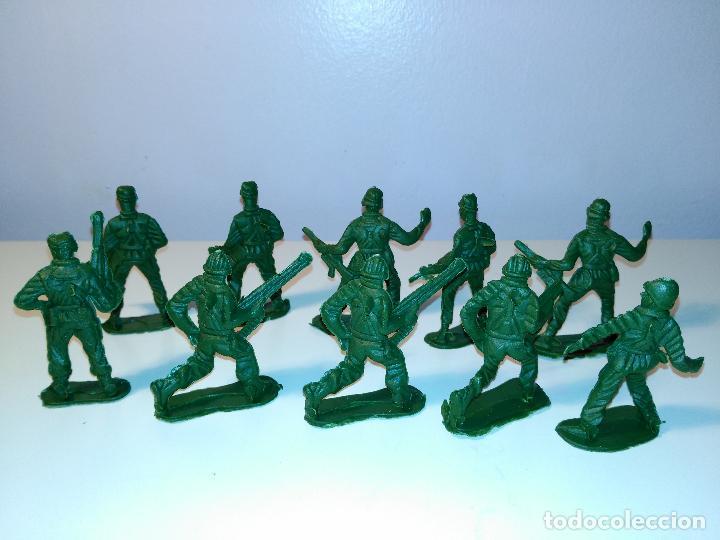 Juguetes Antiguos: Lote de 10 soldaditos - Foto 3 - 70379649