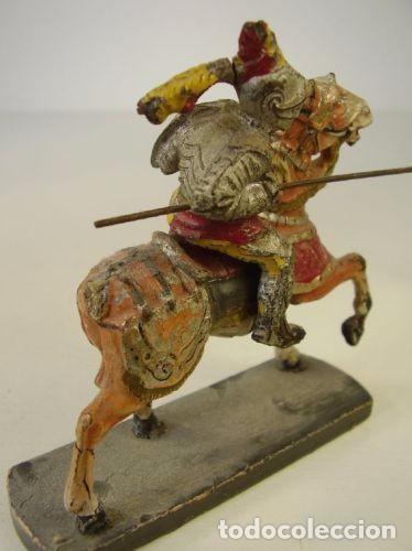 Juguetes Antiguos: Pareja caballeros medievales. 1940 - Foto 5 - 91223145