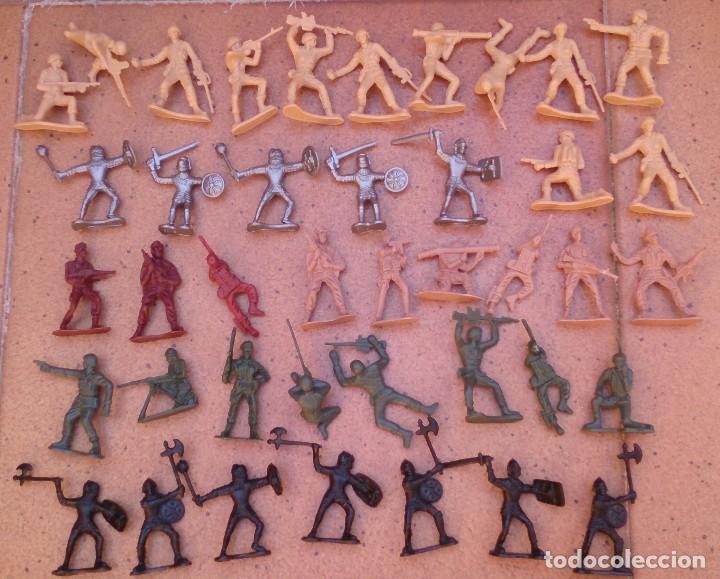 LOTE 40 SOLDADOS DE PLÁSTICO (Juguetes - Soldaditos - Otros soldaditos)