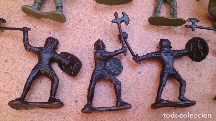 Juguetes Antiguos: Lote 40 soldados de plástico - Foto 2 - 93274785
