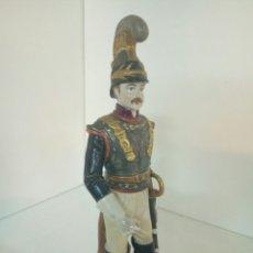 Juguetes Antiguos: IMPONENTE SOLDADO HERMANO DE NAPOLEON DE PORCELANA DE GRANDES MEDIDAS Y DETALLES HECHO EN MANISES. Lote 93575595