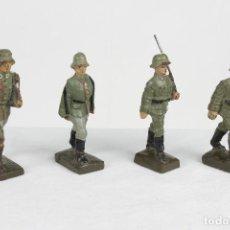 Lineol, 4 soldados al paso