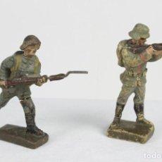 Lineol, dos soldados en combate