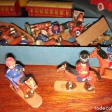 Juguetes Antiguos: SOLDADITOS DE MADERA. Lote 101723115
