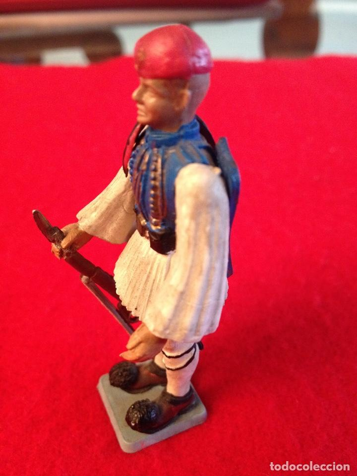 Juguetes Antiguos: Soldadito de goma con brazos articulados, 7 cm. de alto , made in Greece, Marca Aohna, - Foto 3 - 102446243