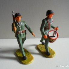 Juguetes Antiguos: 2 SOLDADOS DE LA MARCA ELASTOLIN. Lote 106587483