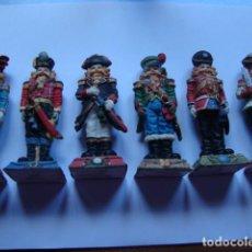 Juguetes Antiguos: RARA COLECCION DE 6 SOLDADOS DE PASTA DE 10 CM DE ALTO VER FOTOS. Lote 114331015