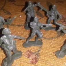 Juguetes Antiguos - Soldados de plástico años 70 - 114485906