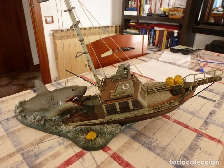 TIBURÓN(JAWS) ESCENA DE LA PELICULA STEVEN SPIELBERG-BARCO ORCA Y CAPITAN QUINT-ESCALA 1/32. (Juguetes - Soldaditos - Otros soldaditos)