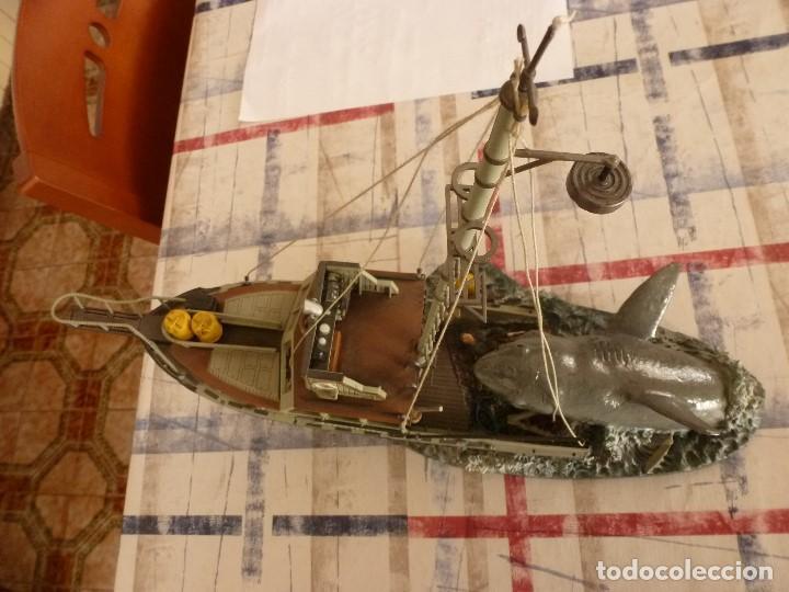 Juguetes Antiguos: TIBURÓN(JAWS) ESCENA DE LA PELICULA STEVEN SPIELBERG-BARCO ORCA Y CAPITAN QUINT-ESCALA 1/32. - Foto 9 - 117512267