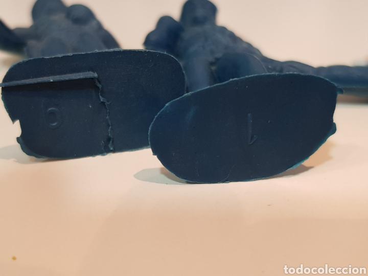 Juguetes Antiguos: Lote variado policías sin pintar de plástico del 0 al 9 desconozco marca medida 5 cm - Foto 6 - 117855284