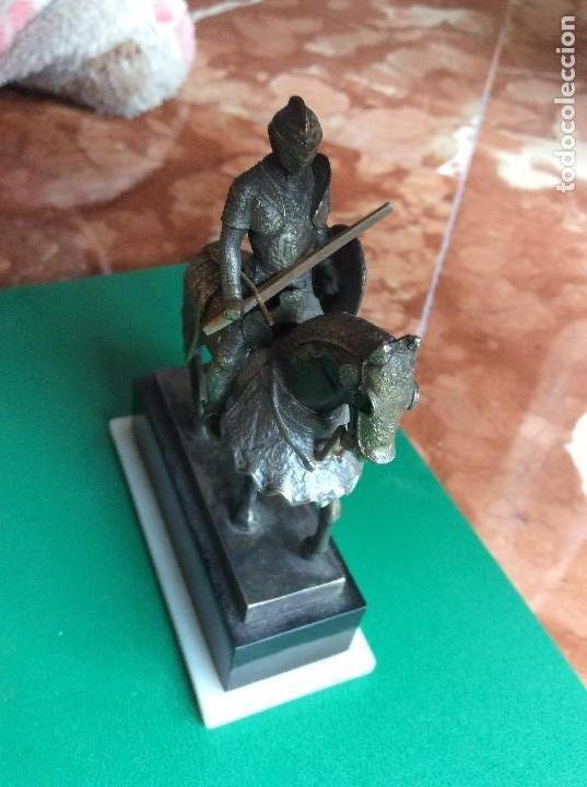 Juguetes Antiguos: Caballero con armadura de plástico figura 7cmx7cm - Foto 4 - 120129743