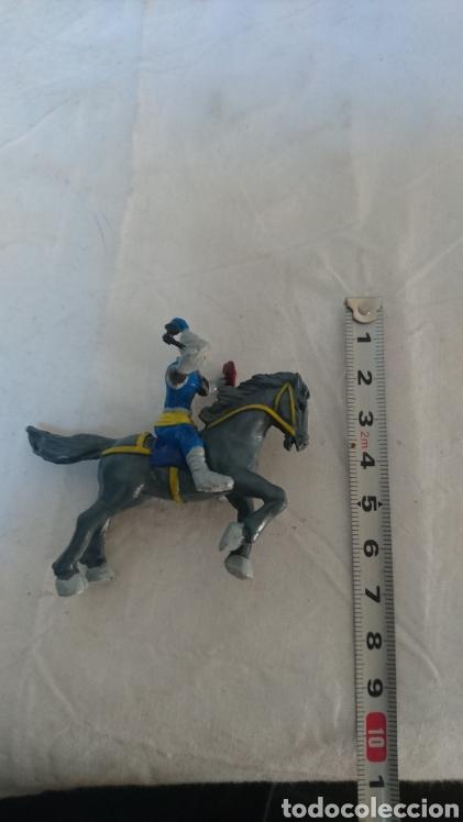 Juguetes Antiguos: CABALLERO A CABALLO - Foto 2 - 120552039
