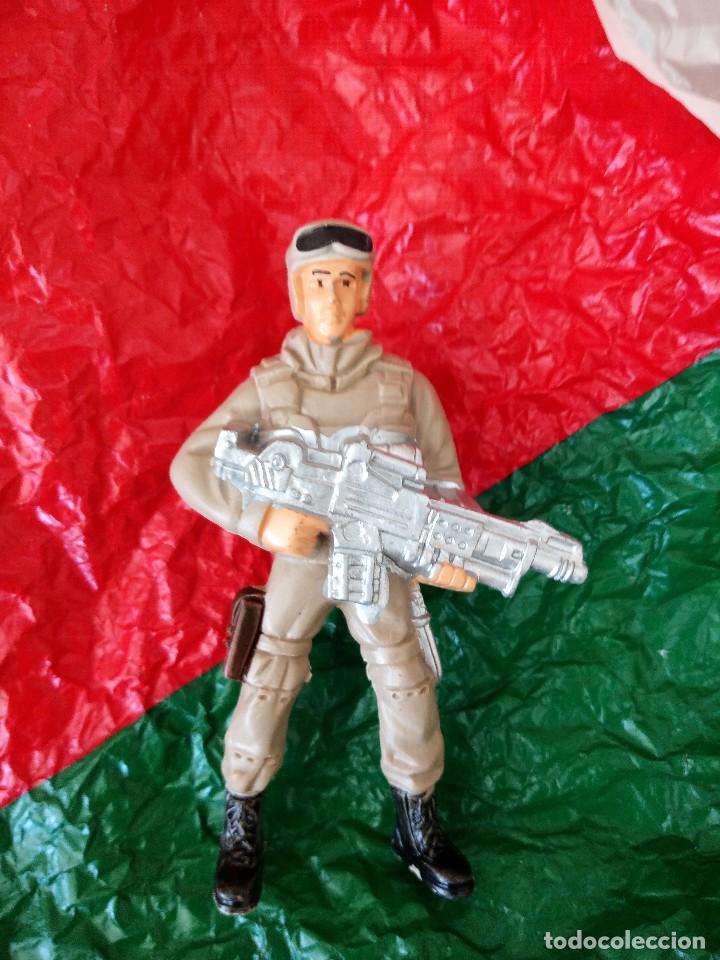 Juguetes Antiguos: antiguo soldado paracaidista juguete de kiosco años 80 - Foto 2 - 121152867