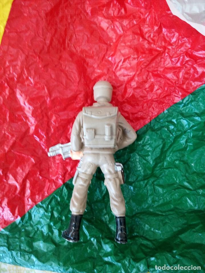 Juguetes Antiguos: antiguo soldado paracaidista juguete de kiosco años 80 - Foto 3 - 121152867