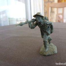 Juguetes Antiguos: VIETNAM WAR(1968)-GUERRILLERO VIETCONG ESCALA 1/32(54/60MM). Lote 122584819