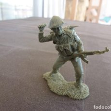 Juguetes Antiguos: VIETNAM WAR(1968)-GUERRILLERO VIETCONG ESCALA 1/32(54/60MM). Lote 122584863