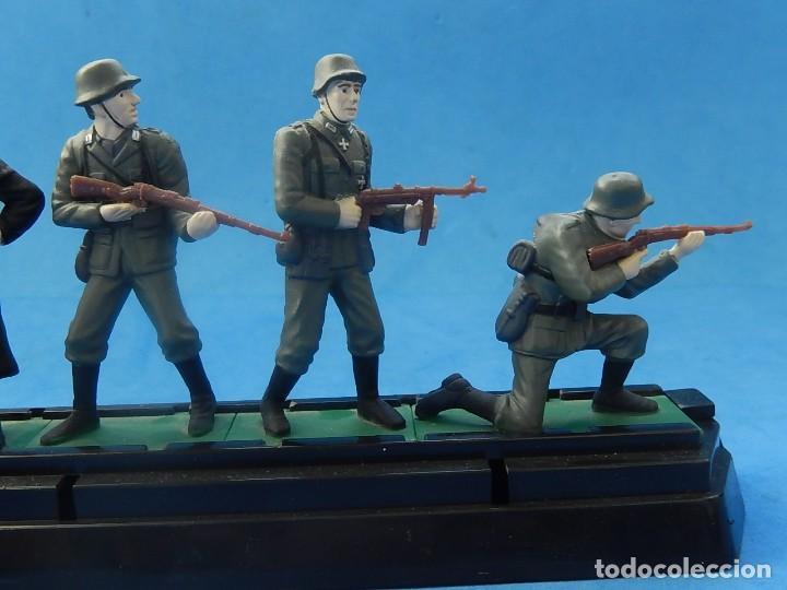 Juguetes Antiguos: Elite Command. Diecast Soldiers. Erwin Rommel y Soldados alemanes. Blue-Box. - Foto 13 - 129461791