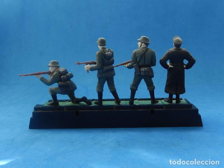 Juguetes Antiguos: Elite Command. Diecast Soldiers. Erwin Rommel y Soldados alemanes. Blue-Box. - Foto 15 - 129461791