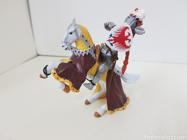 Juguetes Antiguos: Soldado medieval Aguila bicefala made in china pvc medidas 13 x 13 cm - Foto 2 - 131185384