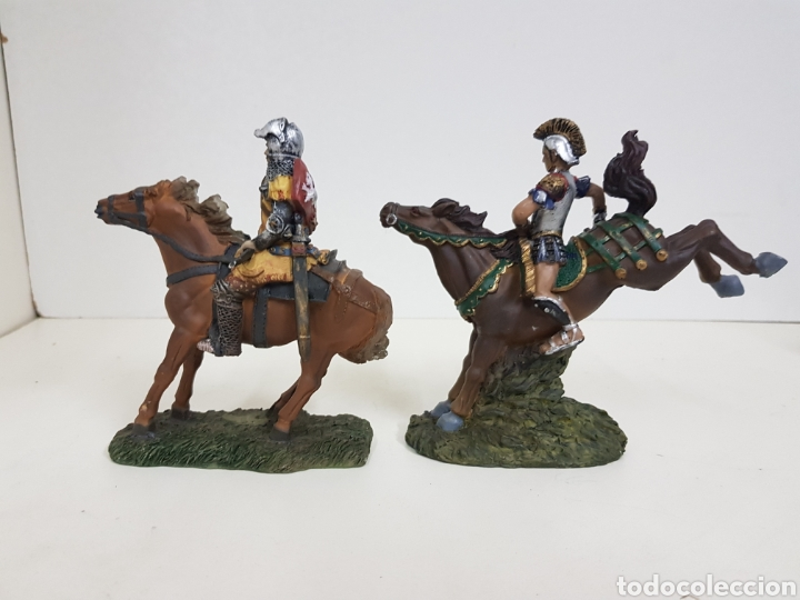 Juguetes Antiguos: Soldado romano y caballero medieval a caballo medidas 14 x 14 en resina - Foto 5 - 135225775