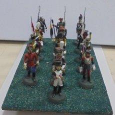 Juguetes Antiguos: CONJUNTO DE 16 MUÑECOS DE PLOMO. UNIFORMES MILITARES. DIFERENTES. VER. 6CM ALTO . Lote 146054362