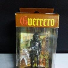 Juguetes Antiguos: SACAPUNTAS METAL GUERRERO MEDIEVAL AVC 17 JEFE DE BALLESTEROS SIGLO XIV CON CAJA . Lote 148220194