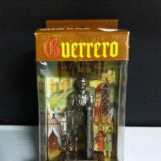Juguetes Antiguos: SACAPUNTAS METAL GUERRERO MEDIEVAL AVC 20 BALLESTERO FRANCES SIGLO XIV CON CAJA . Lote 148221126
