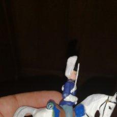 Juguetes Antiguos - Soldado a caballo uniforme de gala realizados en barro pintado a mano - 153192150